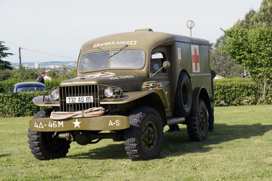 une ambulance de la derniere guerre