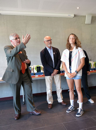 maureen grellier recoit le prix de la sportivite 2018 au rectaurat de nantes